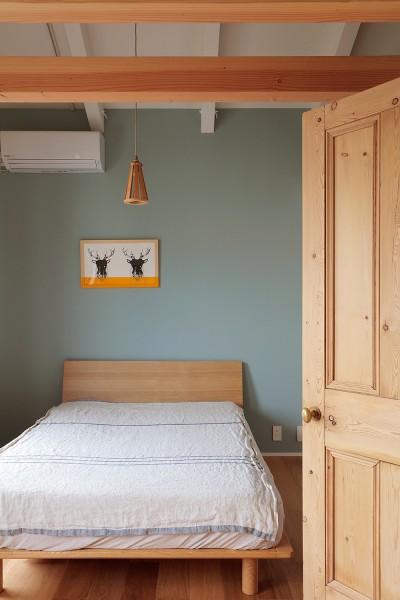 ベッドルーム (こもれびハウス)