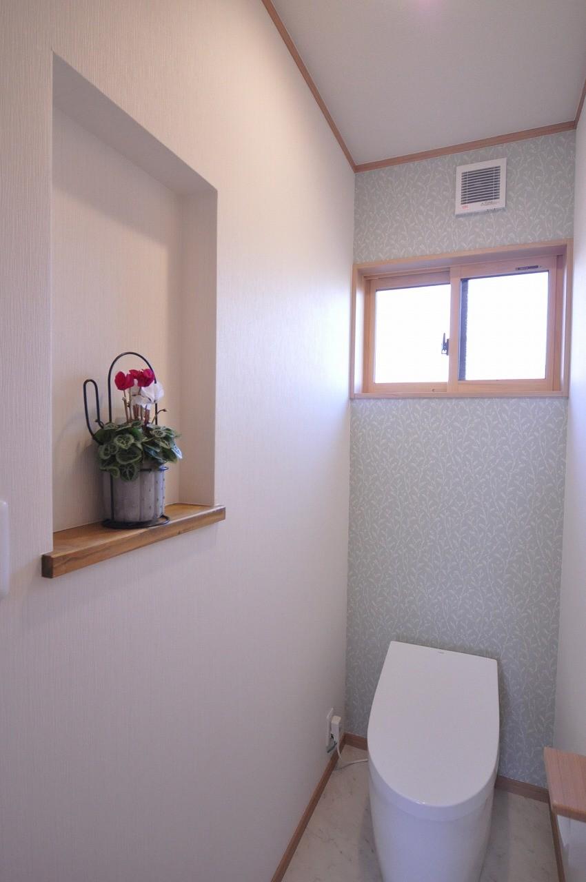 老後に備えたリノベーション (ニッチが可愛いトイレ空間)