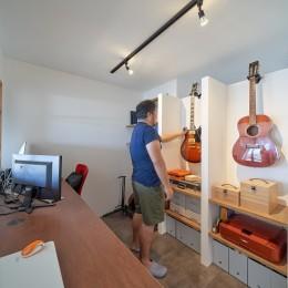 眺望を楽しみながら暮らすマンションリノベーション (趣味を楽しむスペース)