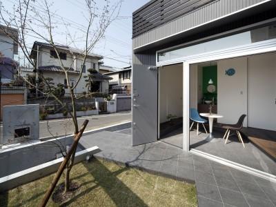 あちこちでお茶できる家 -土間のある玄関- (玄関土間)