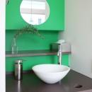 あちこちでお茶できる家 -土間のある玄関-の写真 洗面