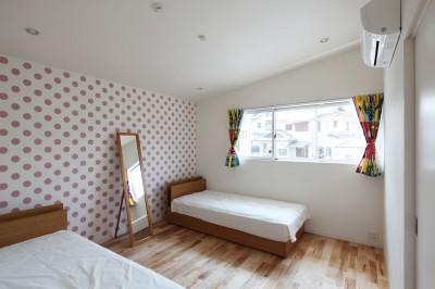 女の子の部屋 (あちこちでお茶できる家 -土間のある玄関-)