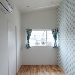 あちこちでお茶できる家 -土間のある玄関- (男の子の部屋)