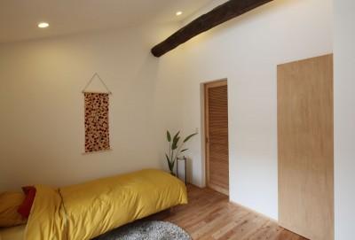 寝室 (住之江の元長屋 | ビフォーアフター放映 | 築74年の元長屋に光と風を)