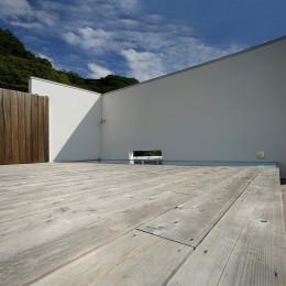 諏訪湖畔のアトリエ|諏訪の週末の家 (エントランス テラス)