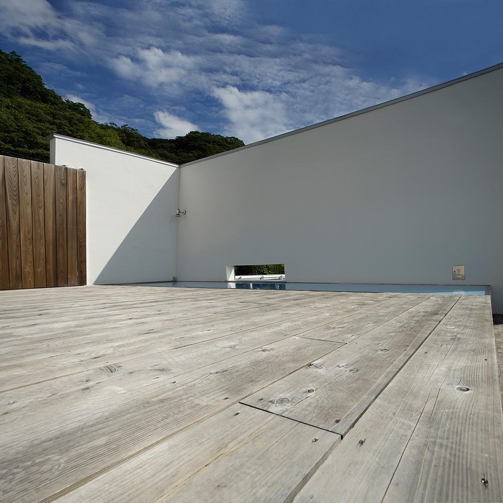 諏訪湖畔のアトリエ 諏訪の家 (エントランス テラス)