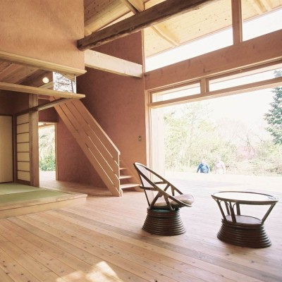 穏やかな時が流れる週末住宅 大室高原の別荘 (居間)