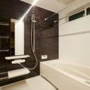 吹き抜けが気持ちいいお家の写真 バスルーム