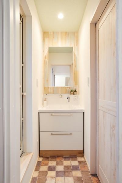 洗面所 (ナチュラルで柔らかい空気感)