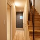 ナチュラルで柔らかい空気感の写真 階段