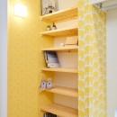 ナチュラルで柔らかい空気感の写真 ウォークインクローゼット・本棚