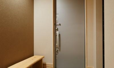 ナチュラルで柔らかい空気感 (玄関)