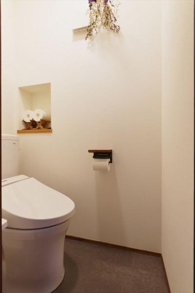 トイレ (幼き日の原風景を切り取って…)