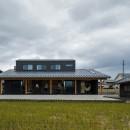 風景を取り込む寺庄の家の写真 開放感のある外観