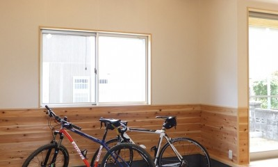 リビングとつながる土間スペース|自転車と共に過ごせる土間リビングのある家 飯能市・S邸