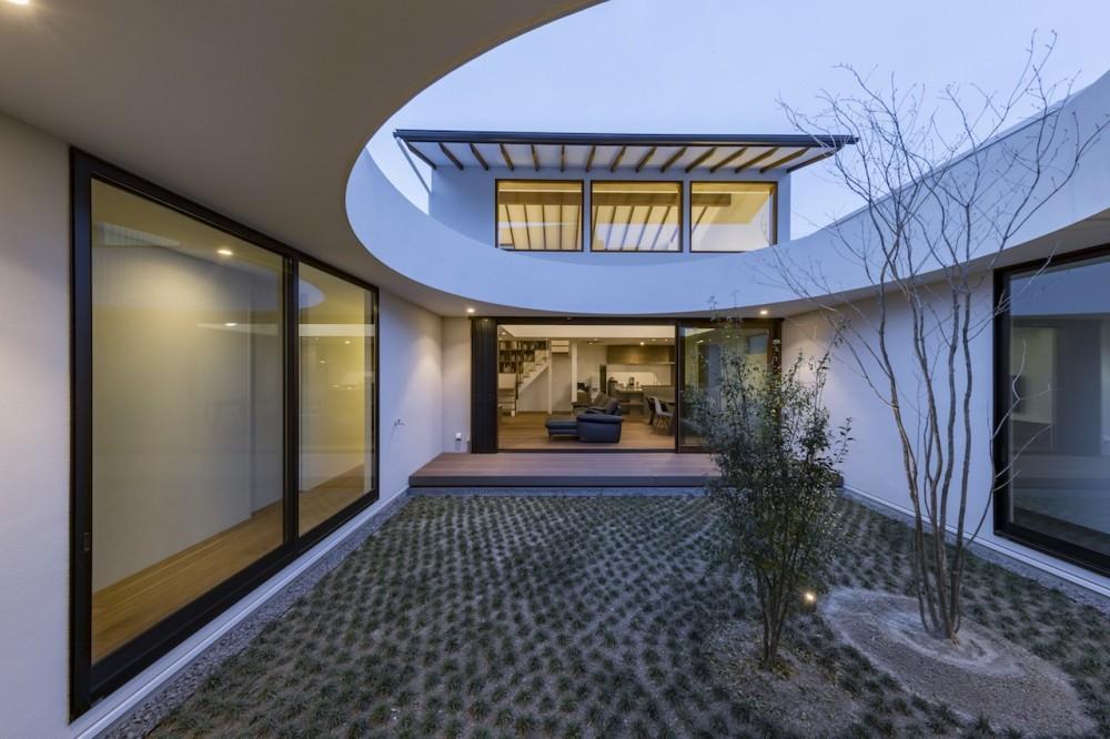 鶴舞の家 (中庭)