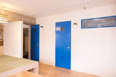 room blue ballen~「妻に心ときめくキッチンを」。想い溢れるワンルーム的リノベーション~ (造作建具)