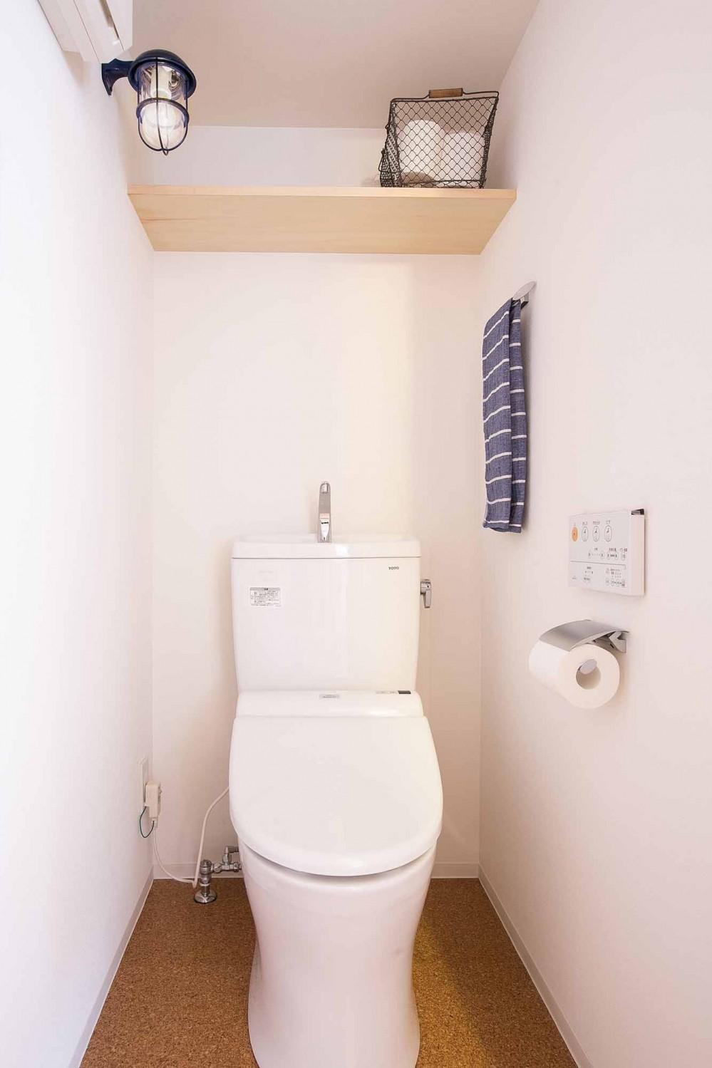 room blue ballen~「妻に心ときめくキッチンを」。想い溢れるワンルーム的リノベーション~ (トイレ)