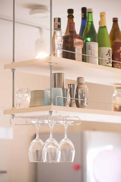 room blue ballen~「妻に心ときめくキッチンを」。想い溢れるワンルーム的リノベーション~ (キッチン吊戸棚)