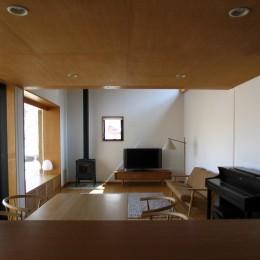 軽井沢の家~木々を一切切らずそのままの敷地を生かし、そこにそっと置いてあげたような住宅~