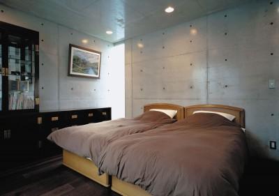 2階寝室 (下町のコンクリートCUBE -コンクリート打ち放し-)