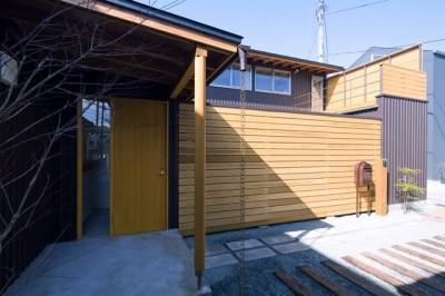 遠藤の家 外観2 (遠藤の家~中庭から穏やかな光が差し込む家~)