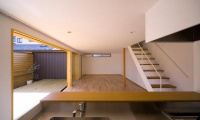遠藤の家~中庭から穏やかな光が差し込む家~ (遠藤の家 リビングダイニングキッチン)