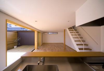 遠藤の家 リビングダイニングキッチン (遠藤の家~中庭から穏やかな光が差し込む家~)