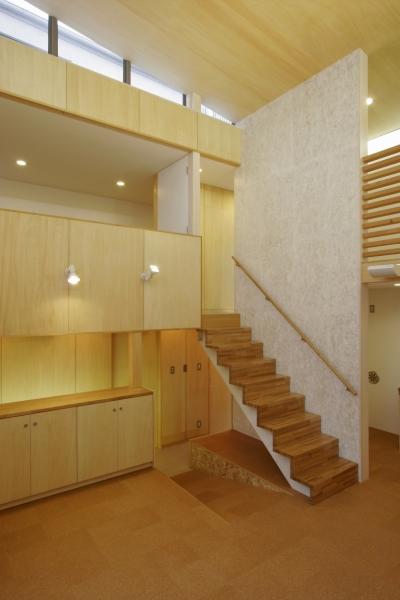 犬と都心で暮らす家 (階段)