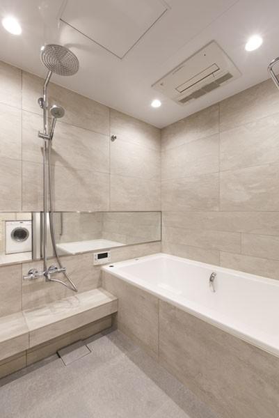 モダンとオリエンタルの融合、調度品が映える上質なLDK (浴室)