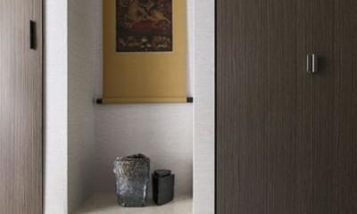 モダンとオリエンタルの融合、調度品が映える上質なLDK (玄関)