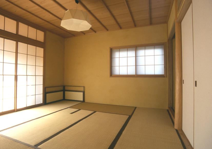 住まう楽しみ-100年住み継ぐ家の部屋 黄土塗壁の茶室
