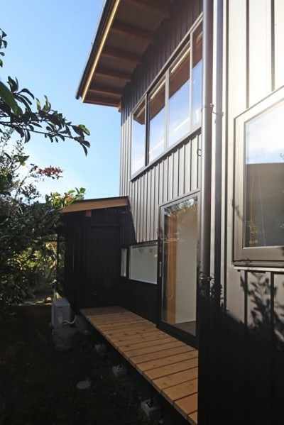 小谷の家 外観3 (小谷の家~街並みに庭を寄与する家~)