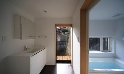 小谷の家 洗面室・浴室|小谷の家~街並みに庭を寄与する家~