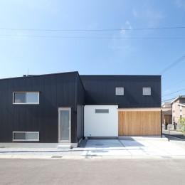 外観01 (House in Nakasuji~剣道場のある家~)