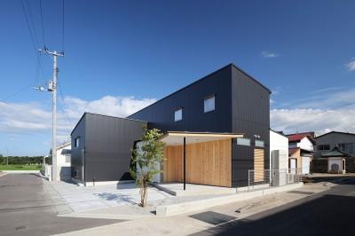 外観02 (House in Nakasuji~剣道場のある家~)