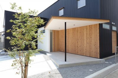 House in Nakasuji~剣道場のある家~ (玄関、ポーチ)