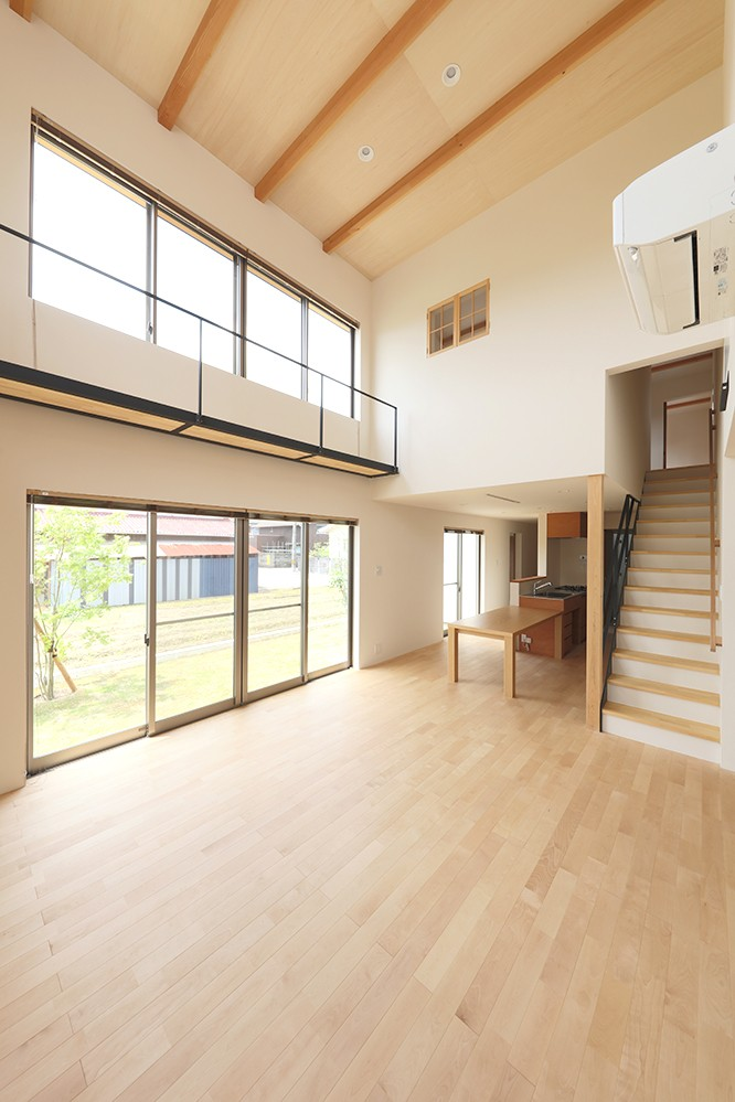 House in Nakasuji~剣道場のある家~ (LDK01)