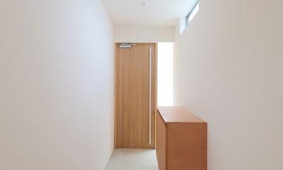 House in Nakasuji~剣道場のある家~ (玄関01)