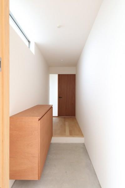 House in Nakasuji~剣道場のある家~ (玄関02)