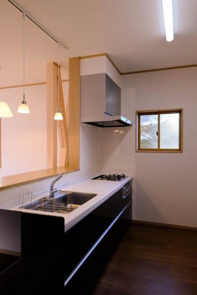 キッチン (友人たちとおしゃべりを楽しむ空間)