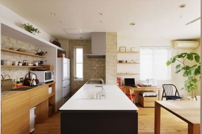オープンキッチン (M邸_余白がつくり出す、ゆとりの空間)