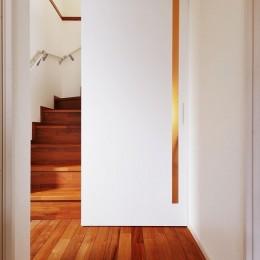 M邸_余白がつくり出す、ゆとりの空間 (階段)