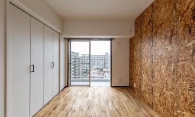 広々な土間収納、広々なリビング。天然無垢材をふんだんに使用した、思いの詰まったステキな空間。 (洋室①)