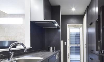 キッチン|Black & White、モダンレジデンス