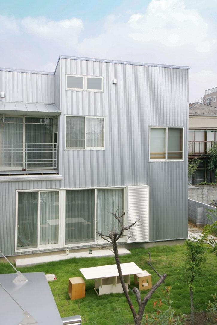 建築家:三竹 忍「中庭が家族の距離をつなぐ家B」