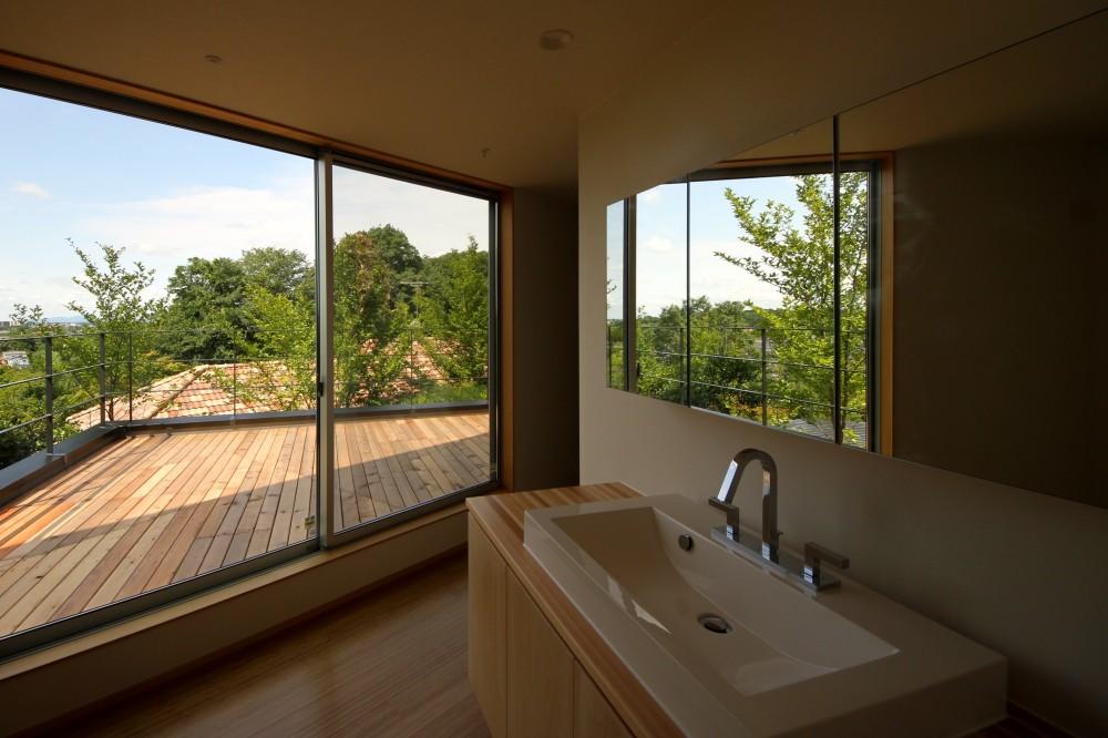 ポーラスターデザイン一級建築士事務所「acubens/高台で、基本は平屋だけど、潜望鏡のように2階に上がると富士山が拝めるかたちを考える。」