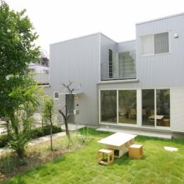建築家 三竹 忍の事例「中庭とインナーバルコニーのある贅沢な家A」