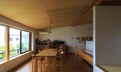 片瀬海岸の家 リビングダイニングキッチン・2|片瀬海岸の家~記憶の風景~