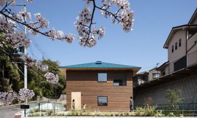 四つ角の家|外観正面|四つ角の家|家の中に4つの小さな家がある住宅【大阪府堺市】